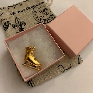 Avon ice skate brooch crystals and gold tone